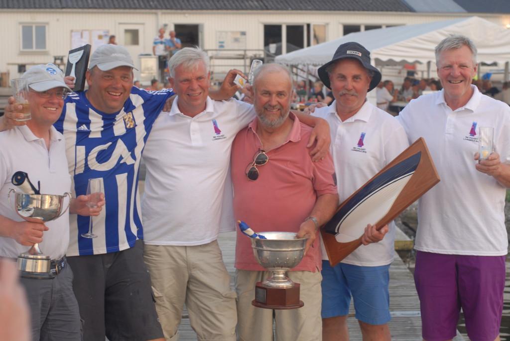 SM-vinnarna Per Jørgensen med besättning och svenska mästaren Rolf Uppström med besättning.